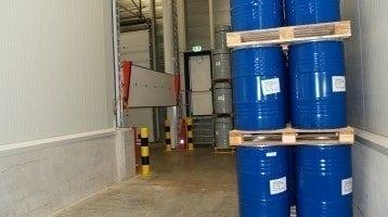 Trattenimento-di-liquidi-immagazzinaggio-di-sostanze-chimiche
